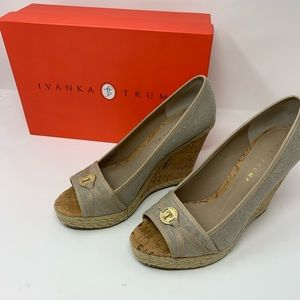 Ivanka Trump Ladies Wedge Shoes Size 9